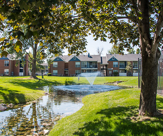 Landscaping, The Village at Raintree