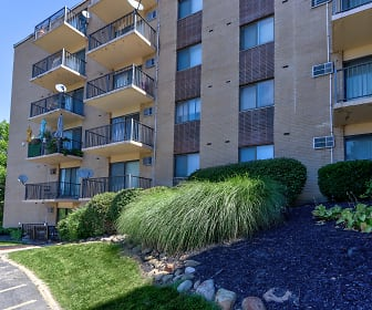 Bluestone Apartments, Willoughby Hills, OH