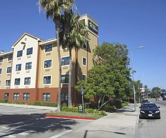 Building, Furnished Studio - Los Angeles - LAX Airport