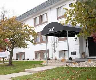 Treciti Village Apartments, Lourdes University, OH