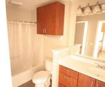 Bathroom, 120 E Mound St