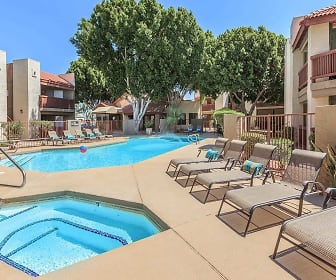 Pool, Greentree Apartments