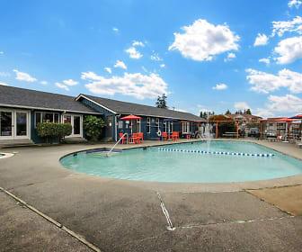 Pool, Nova North