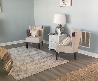 Room for Rent - The Birds Nest, Union City, GA