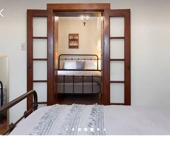 Bedroom, 4932 botanical ave