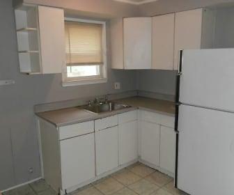 Kitchen, 17646 Lincoln Avenue