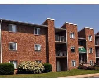 Mallard Courts Apartments, Alexandria, VA