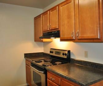 Kitchen, Pembroke Lake Apartments