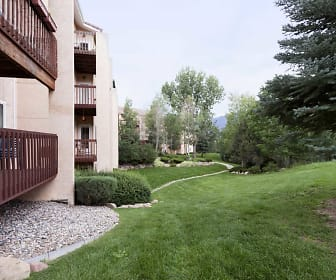 Building, Signature at Promontory Pointe
