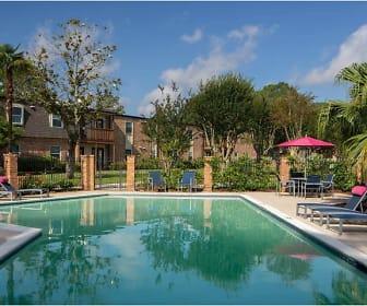 Pool, Bella of Baton Rouge