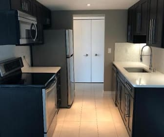 Kitchen.jpg, 411 S. Old Woodward Avenue #900