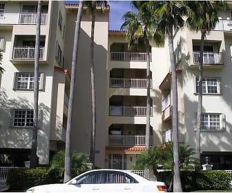 37 Majorca Ave Apt 402, Gladeview, FL
