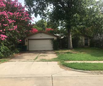 827 Salem Trl, Lewisville, TX