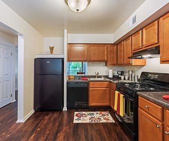 Kitchen, The Cascades Townhomes
