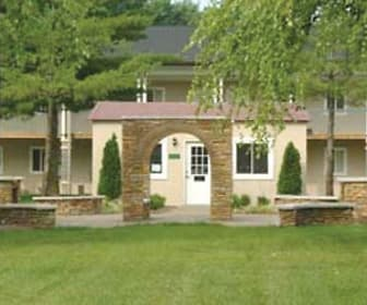 view of front of property with a front yard, Meadows At Greentree