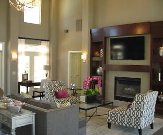 Living Room, Crown Pointe