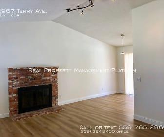 2967 Terry Ave, Easton, CA