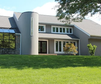 5 Dianes Court, East Hills, NY