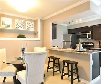 Dining Room, Island Bay Resort