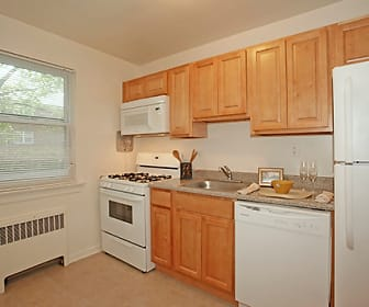 Kitchen, Duncan Hill Apartments & Townhomes