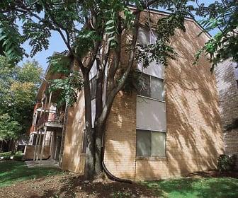Building, Laurelton Court Apartments