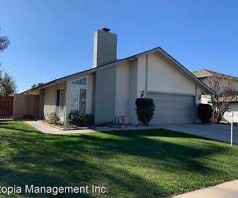 3242 Winnebago Ln, Pedley, CA
