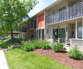 Layton Grove, Castle Manor, Milwaukee, WI