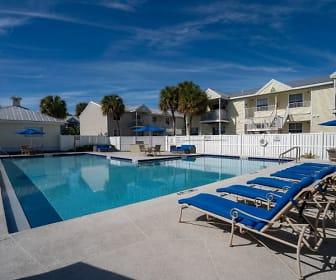 West Isle Club Apartments, Lower Sugarloaf Key, FL