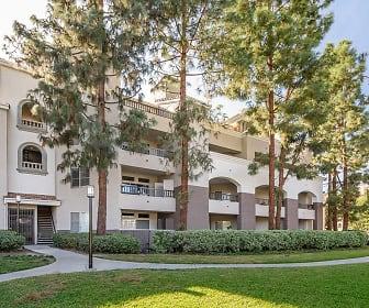 Valentia Apartments, Valentia