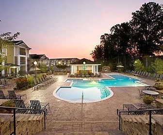 Pool, Abberly Place at White Oak Crossing
