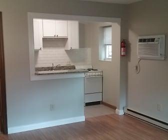 150G_kitchen_bath.jpg, 150 E. 13th Avenue Apt G