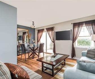 Living Room, Reserve at Eagle Ridge