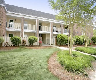 Landscaping, Glenmeade Village Apartments