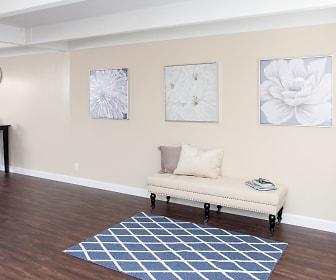 Living Room, Cedar on the Blvd