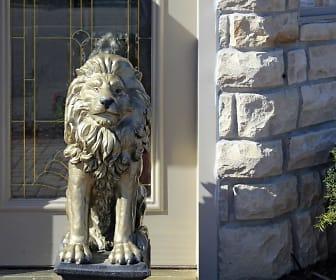 Lions Gate, Davison, MI