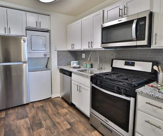 Eagle's Crest Apartments, Progress, PA