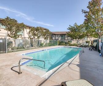 Pool, Bonita Woods