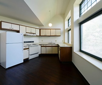 Kitchen, Drake Plaza