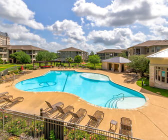 Crescent Pointe Apartments, College Station, TX