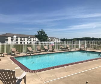 University Parke Suites, Reed City, MI