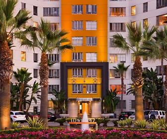 Building, Park La Brea