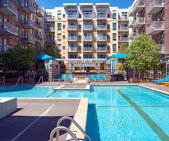 Pool, Flux Apartments