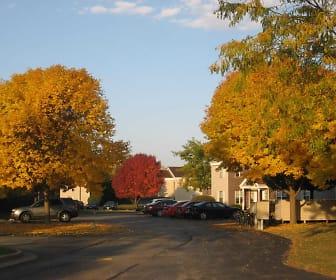 Summerfield Place Apartments, University of Wisconsin  Oshkosh, WI