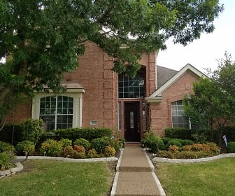 318 Andre, Farmers Branch, TX
