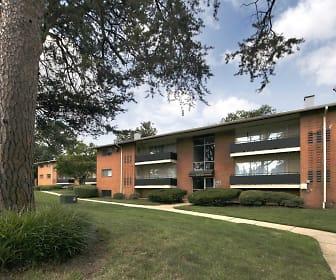 Building, Laurel Pines