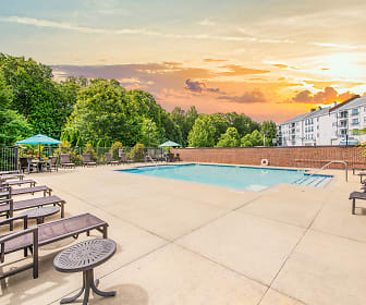 Pool, Post Riverside
