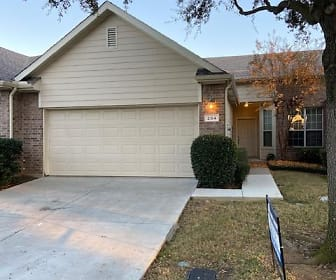 204 Heritage Hill Dr., Grapevine, TX