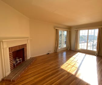 Living Room, Taraval and 15th Ave.