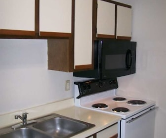 Kitchen, Apartments at Lakewood Park