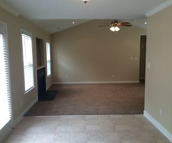 Dining Room, 230 Summit Drive